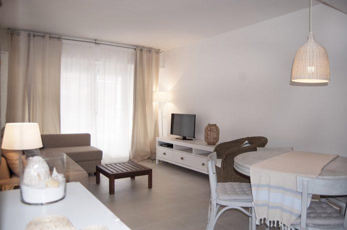 Reforma. Apartamento en la playa