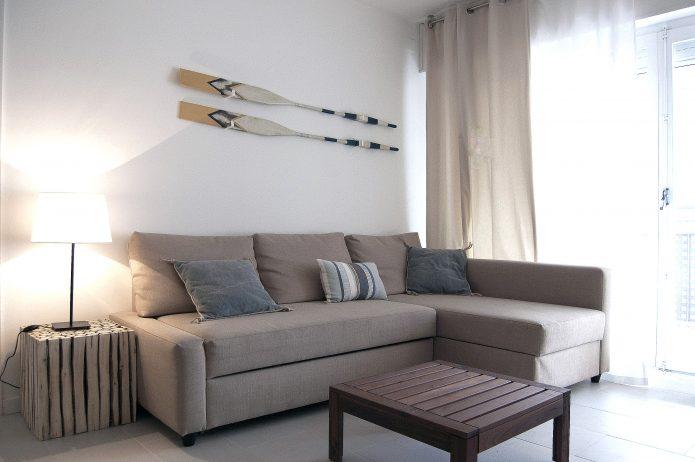 Interiorismo. Salón apartamento en la playa