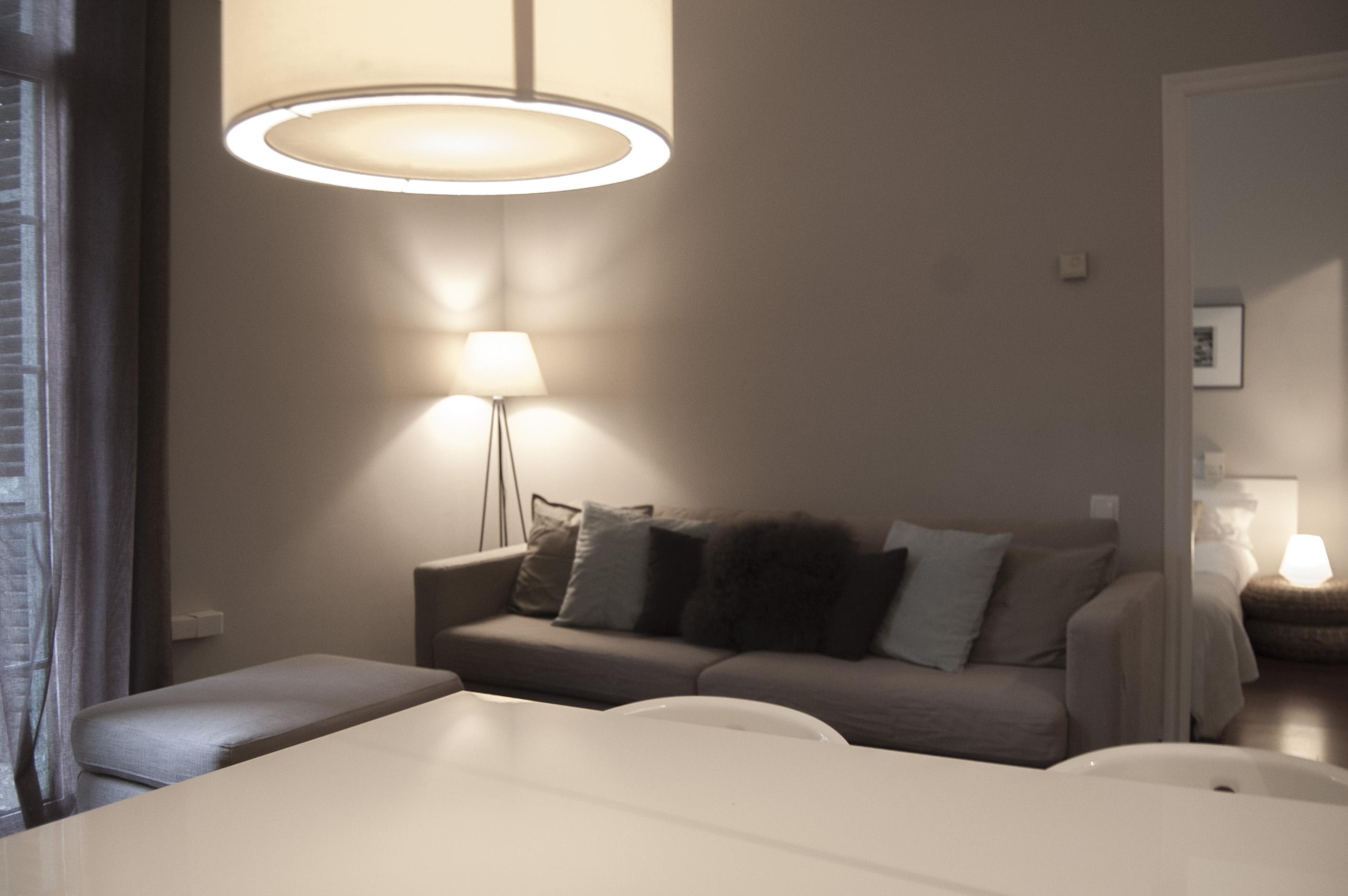 Trazo interiorismo apartamento tur stico - Interiorismo low cost ...