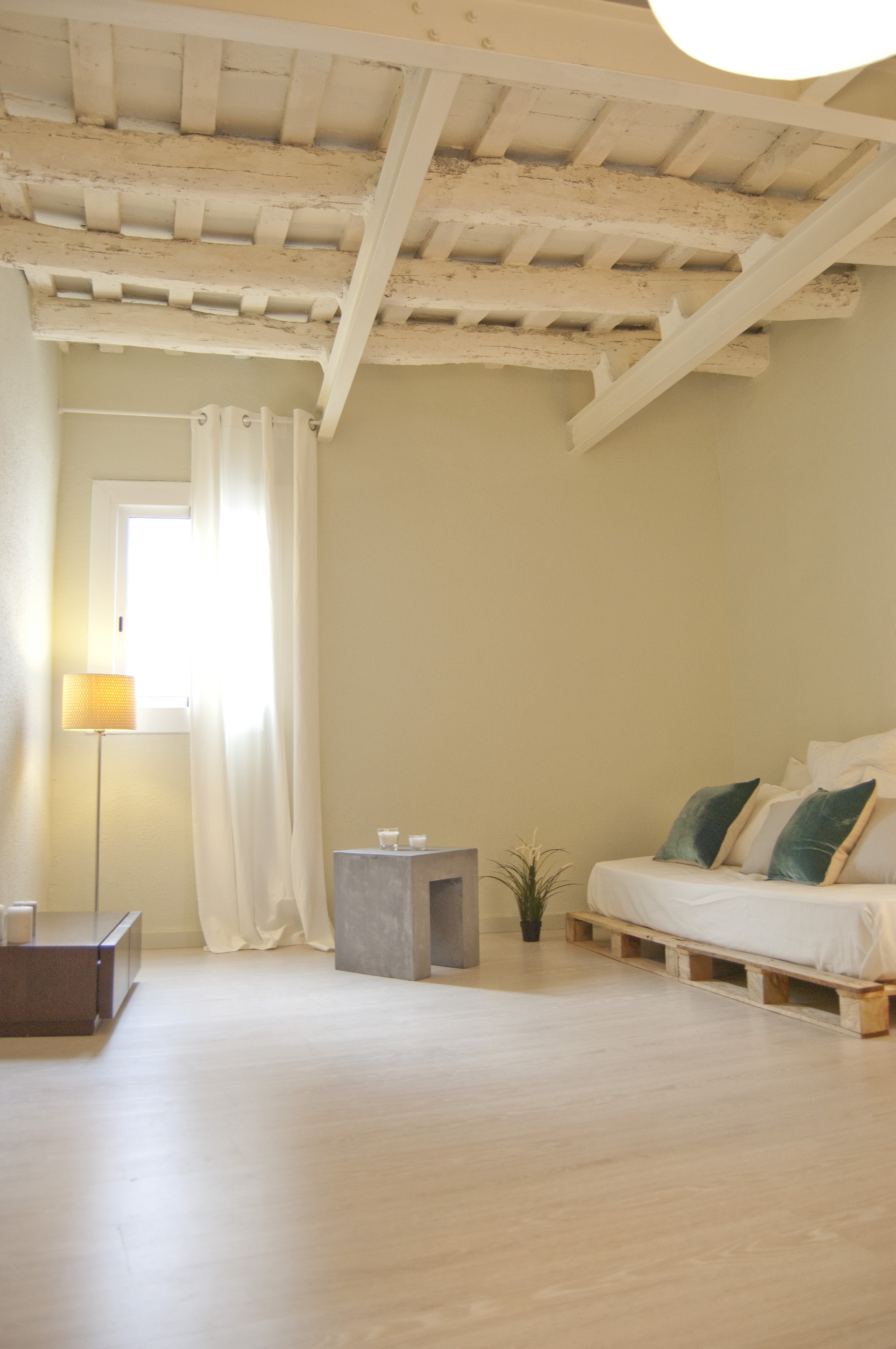 Trazo interiorismo home staging 22m for Interiorismo low cost barcelona
